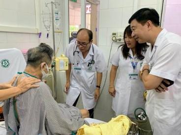 Bệnh viện bạch mai đồng hành cùng nhân dân miền trung trong hướng dẫn cập nhật chẩn đoán và điều trị  bệnh whitmore cho cán bộ y tế