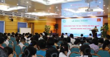 """Hội thảo """"Ngôn ngữ và Cuộc sống"""" và khai giảng khóa đào tạo trình độ đại học ngành ngôn ngữ Anh"""